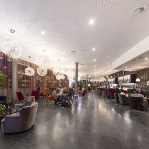 Modern Times Hotel, Times Bar